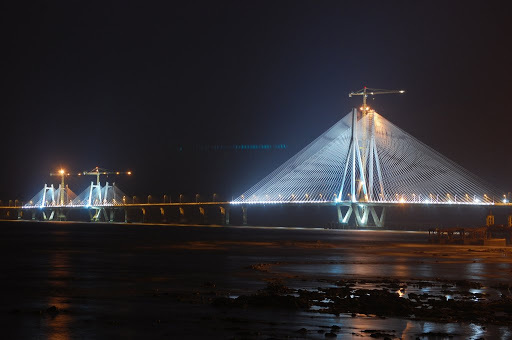 Bandra Worli Sealink has steel wires equal to the earth's circumference - interesting facts about India
